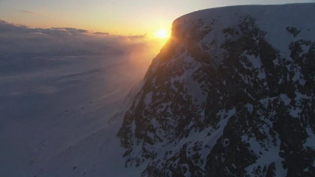 Ruben Lenten Snowkite Cliff Jump – Red Bull Ragnarok 2012